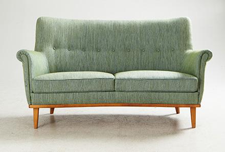R Fynda på auktion soffa