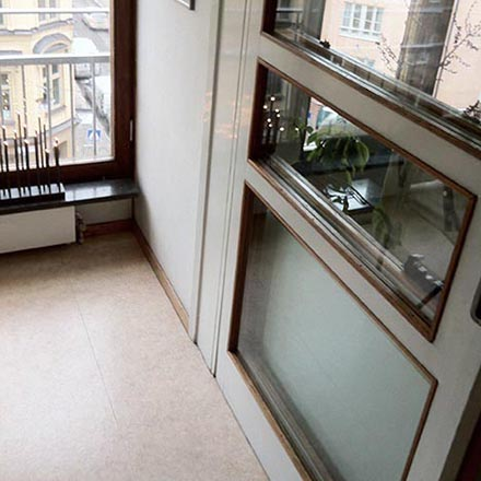 Schönborg 6 dörr mellan kök och vardagsrum