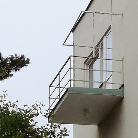 Snygg balkong i Ängby 1