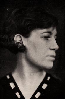 Agnes von Krusenstjerna fotograferad av Anna Riwkin